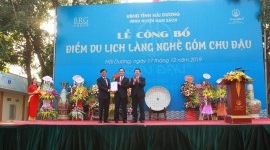 Announcement ceremony for Chu Dau Ceramic Village tourist attraction