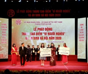 BRG GROUP AND HANOI SMART CITY COMPANY CONTRIBUTE TO CAMPAIGN FOR THE POOR